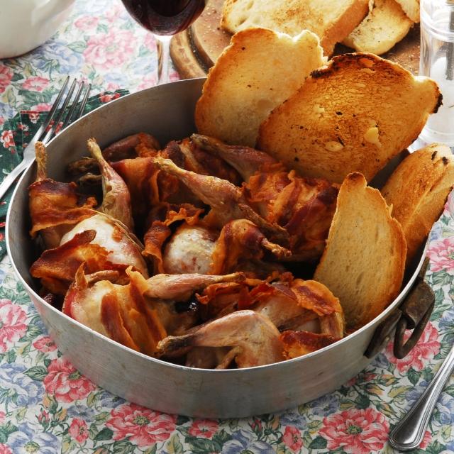 Bécasses dorées et toasts au foie gras